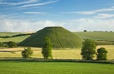 La colline de Silburry de face